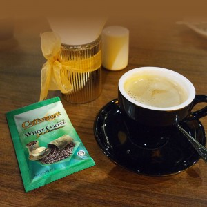 Coffeemark White Coffee 3-in-1 Less Sugar @ 15's x 32g [FREE 2 SACHETS x 36g 3-in-1 Hazelnut]